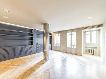 120 m² apartment for rent in Almagro, Madrid