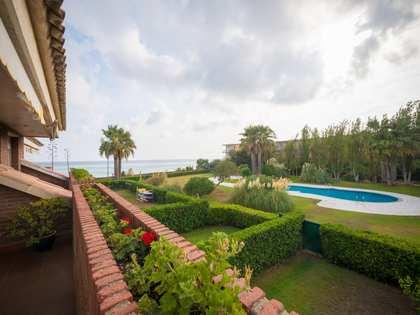 Maison / Villa de 276m² a louer à Gavà Mar avec 62m² de jardin