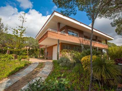 5-bedroom family home for sale in Cabrera de Mar