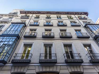 2-bedroom apartment available for rent on Calle Barquillo