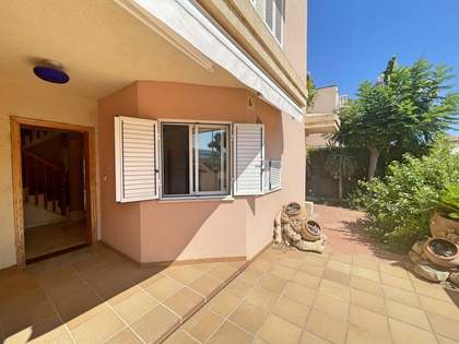 330m² House / Villa with 150m² garden for rent in Playa San Juan