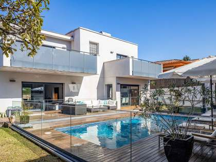 300m² House / Villa for sale in Vallromanes, Barcelona