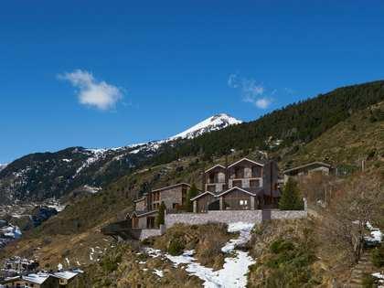 Huis / Villa van 286m² te koop met 178m² terras in Grandvalira Ski area