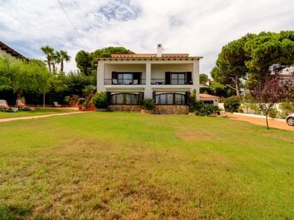 Huis / Villa van 409m² te koop in Torredembarra
