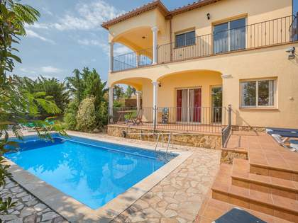 5-bedroom detached villa for sale in Playa de Aro