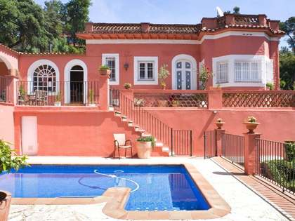 Modernista house for sale close to Barcelona in La Floresta