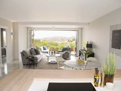Modern 148 m² apartment for sale in Benahavis, Marbella