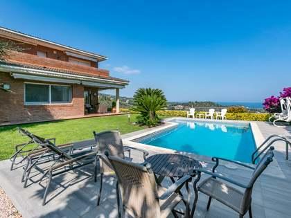 Huis / Villa van 409m² te koop met 650m² Tuin in Sant Andreu de Llavaneres