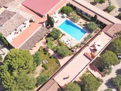 Maison de campagne de 3,377m² a vendre à Priorat avec 810,000m² de jardin