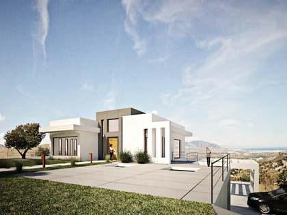 Huis / Villa van 747m² te koop met 310m² terras in Elviria