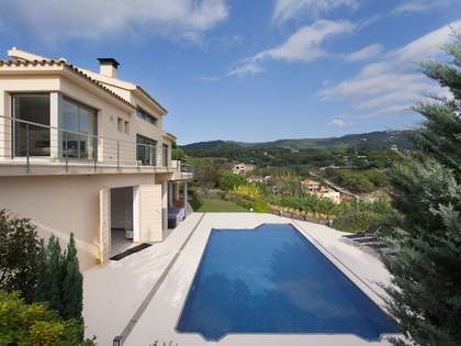 Mediterranean style villa for sale on the Maresme Coast