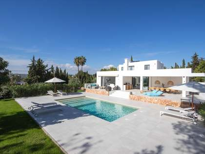 230m² House / Villa with 800m² garden for sale in Ibiza Town