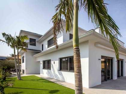 Casa de 290 m² de recién construcción en venta en Rocafort
