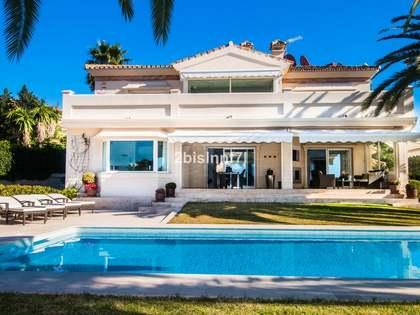 509m² Haus / Villa mit 887m² garten zum Verkauf in Nueva Andalucía
