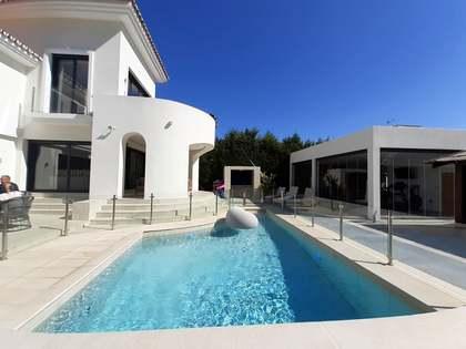 Casa / Villa di 255m² con giardino di 1,255m² in vendita a New Golden Mile