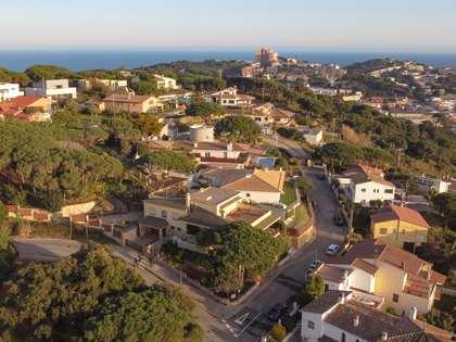 532m² Haus / Villa mit 48m² terrasse zum Verkauf in Sant Feliu