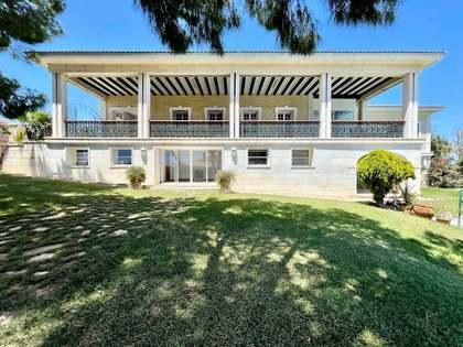 Casa / Vil·la de 1,067m² en venda a Alicante ciudad