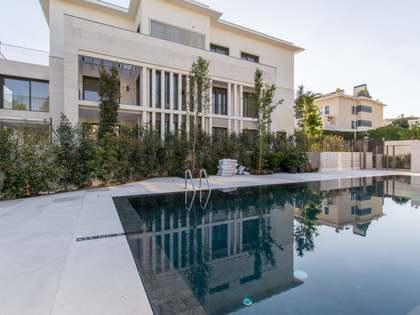 Pis de 215m² en venda a Aravaca, Madrid