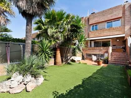 Maison / Villa de 228m² a vendre à La Pineda, Barcelona