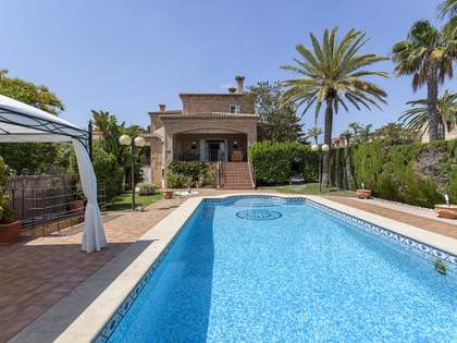 600m² House / Villa for rent in Godella / Rocafort