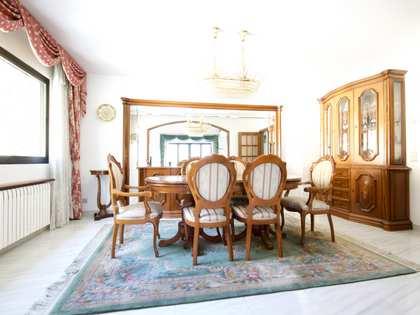 350m² House / Villa for rent in Escaldes, Andorra