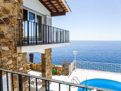 Waterfront property for sale in Lloret de Mar