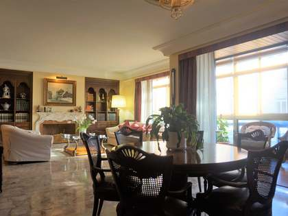 234 m² apartment with terrace for sale in Sant Francesc