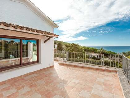 450 m² villa for sale in Lloret de Mar / Tossa de Mar