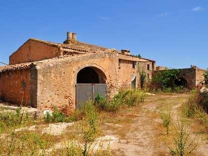 Ferme à vendre dans l'Est de l'île de Majorque, à proximité de Porto Cristo.