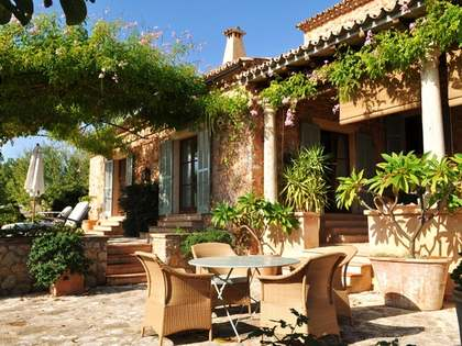 Country villa for sale near Alaro in central Mallorca.