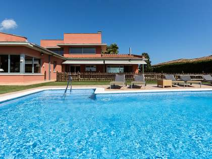 385m² House / Villa with 1,683m² garden for sale in Sant Andreu de Llavaneres