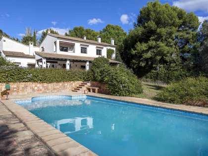 Maison / Villa de 450m² a vendre à El Bosque / Chiva avec 2,500m² de jardin