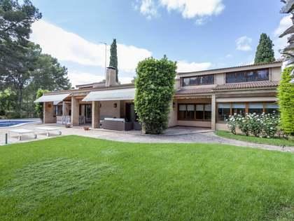Casa / Vil·la de 476m² en venda a La Canyada, València