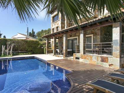 747m² villa for sale in Montemar- Castelldefels