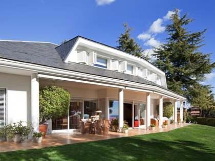 Huis / Villa van 360m² te koop in Supermaresme, Maresme