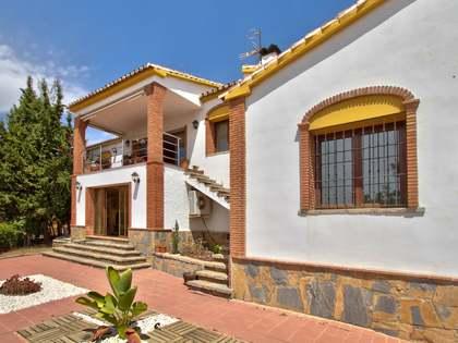 Huis / Villa van 418m² te koop in Axarquia, Malaga