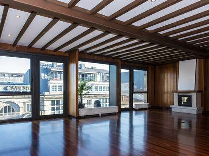 Piso de 200m² con 35m² terraza en alquiler en Vigo, Galicia