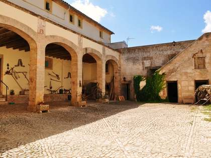 Country estate for sale in south Mallorca, close to Palma.