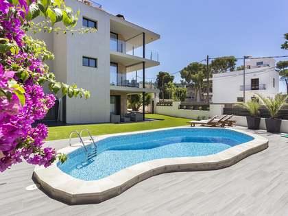 Casa / Vila de 262m² with 61m² terraço em aluguer em Montemar