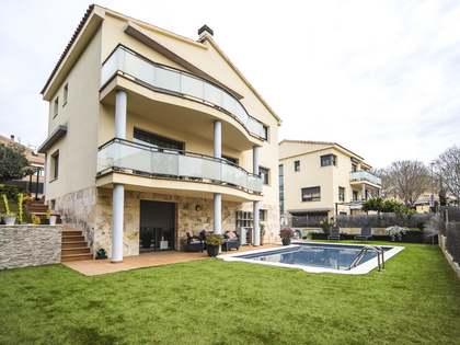 320m² House / Villa for sale in Calafell, Costa Dorada