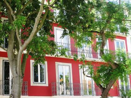 Stylish 1 bedroom Lisbon apartment for sale close to Belem