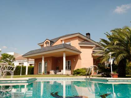 451m² House / Villa for rent in Godella / Rocafort