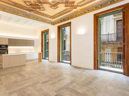 Apartamento renovado en venta en calle Avinyó, Barcelona