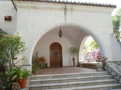 600m² Haus / Villa zum Verkauf in Godella / Rocafort