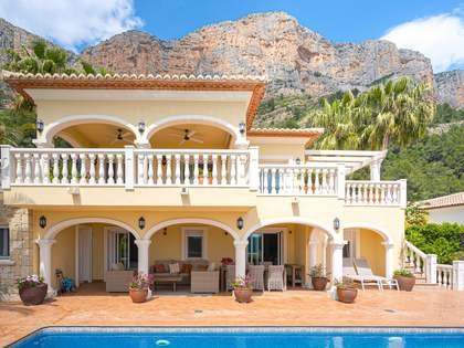 Huis / Villa van 283m² te koop in Jávea, Costa Blanca
