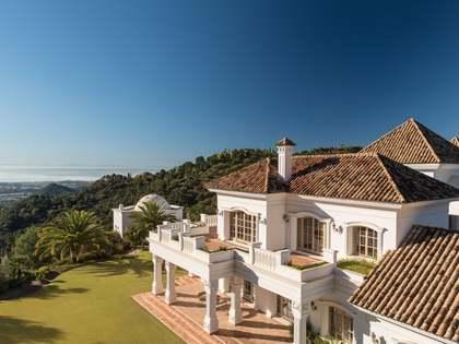 Casa / Villa di 1,836m² in vendita a La Zagaleta