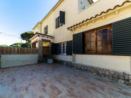 116m² House / Villa with 93m² garden for rent in La Pineda