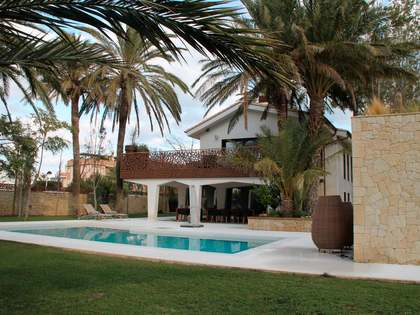 380 m² villa for sale in Denia, Costa Blanca