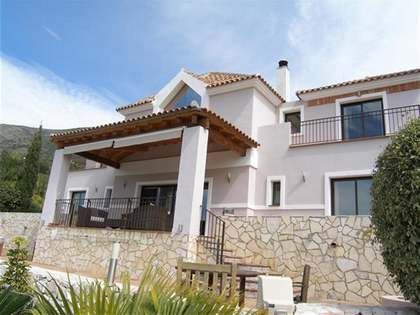 201m² villa with 2,070m² plot for sale in Mijas