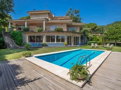 Casa de 5 dormitorios en venta en Argentona